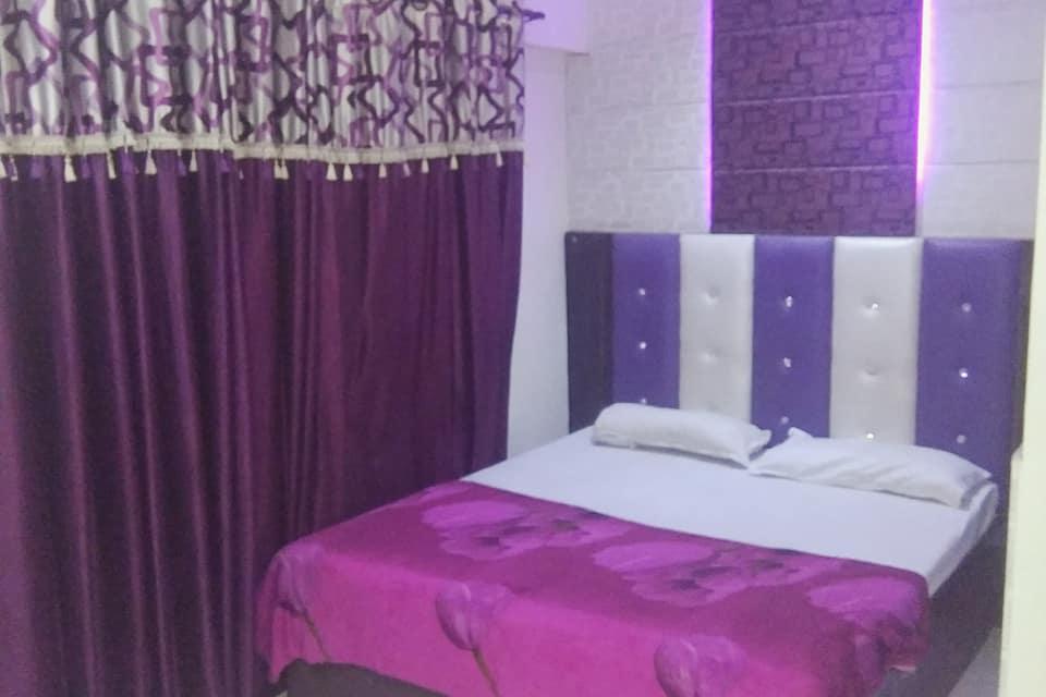 Hotel Revoli, Near Golden Temple, Hotel Revoli