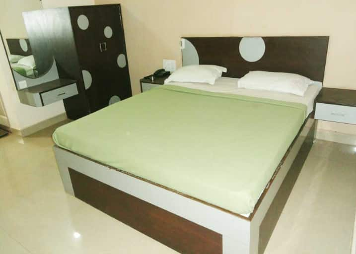 Hotel Rainbow Residency, Lakdi Ka Pool Khairatabad, Hotel R Inn Residency