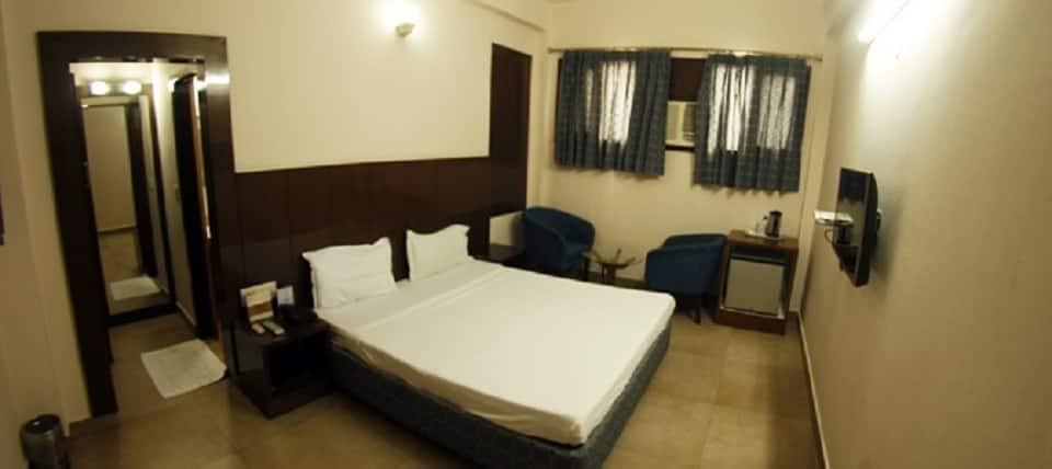 Hotel Dolphin, Fort, Hotel Dolphin