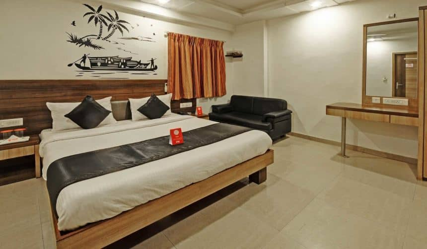 Hotel Balwas, Relief Road, Hotel Balwas