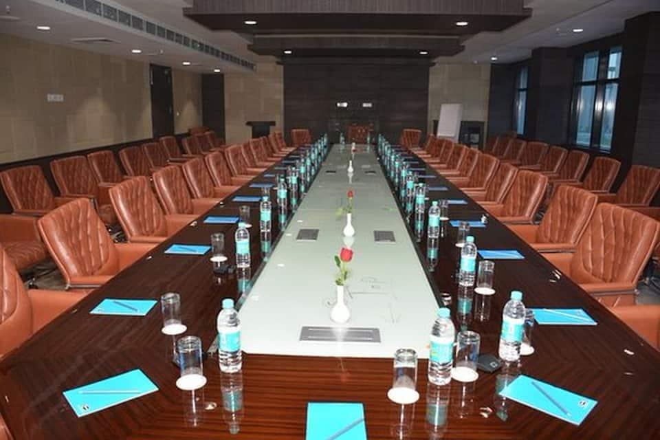 Hide Away Suites, Greater Noida Expressway, Hide Away Suites