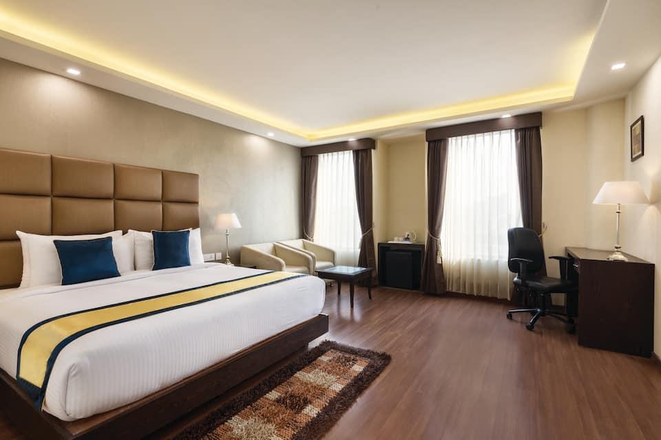 Days Hotel, Model Town, Days Hotel