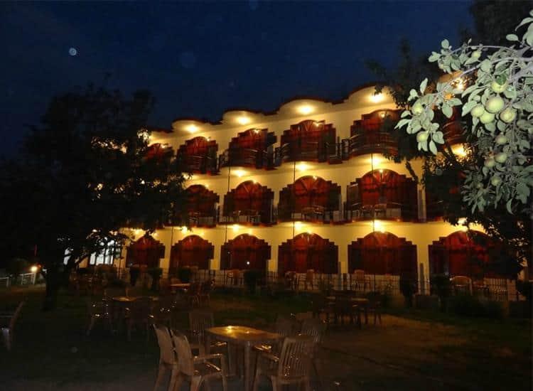 Himanshu Resorts, Model Town, Himanshu Resorts