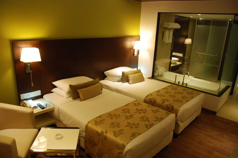Ramee Grand Hotel and Spa, Apte Road, Ramee Grand Hotel and Spa