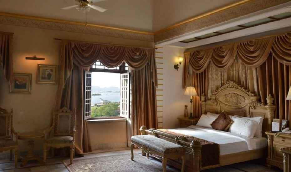 The Merwara Palace, Ana Sagar Lake, The Merwara Palace