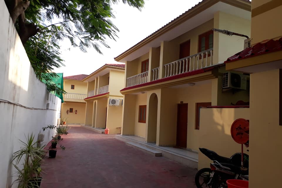 Prabhat Beach Resort, Nagoa Beach, Prabhat Beach Resort
