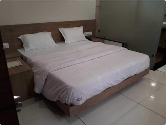 Hotel Manjeet, Hamidia Road, Hotel Manjeet