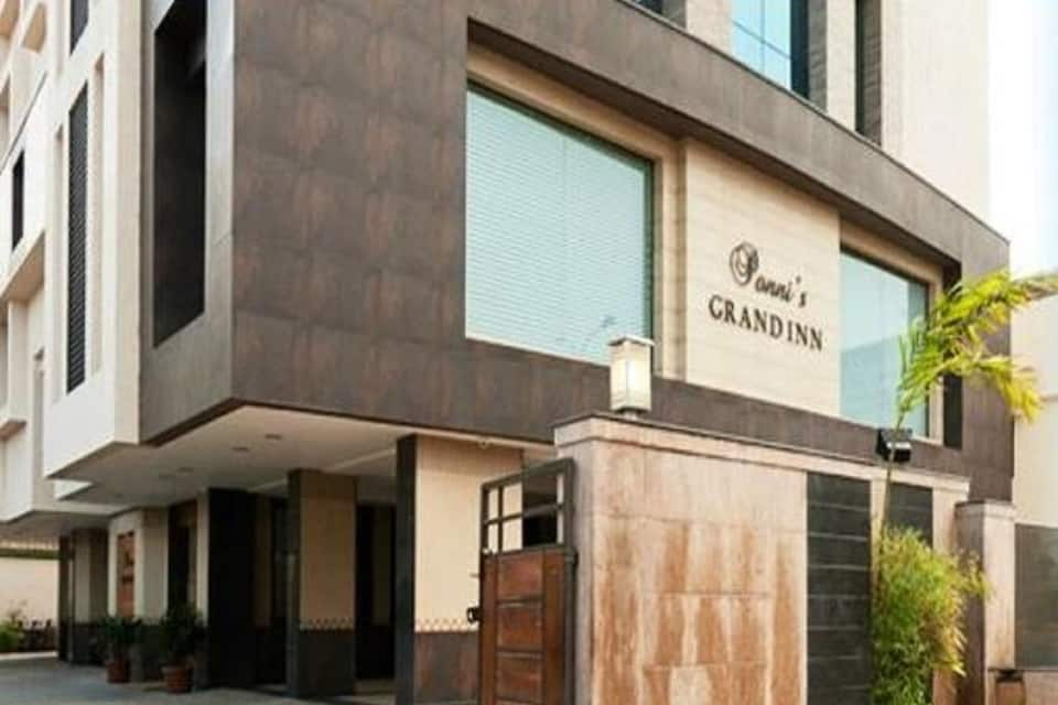 Ponni's Grand Inn, none, Ponni's Grand Inn