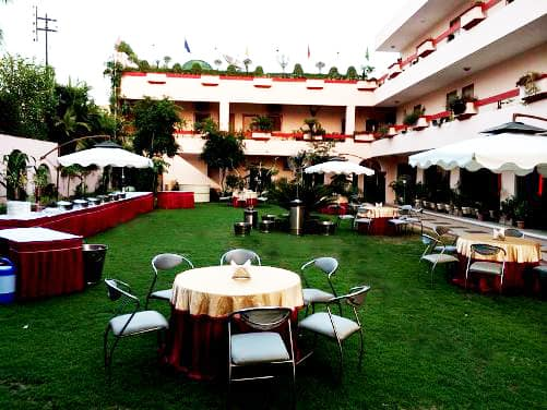 Hotel East Lite, Raja Mandi, Hotel East Lite