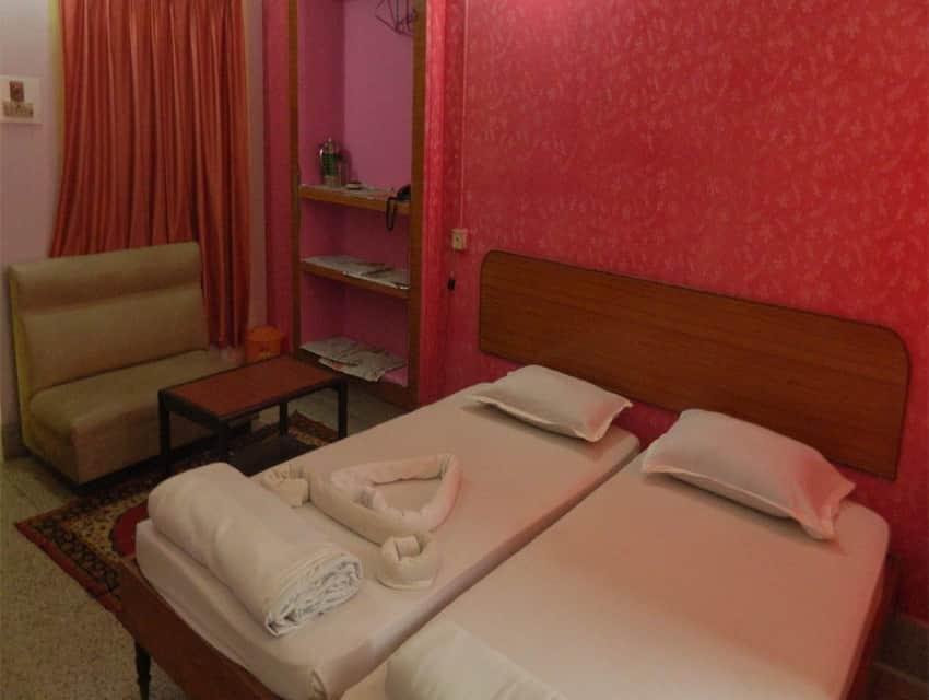 Hotel Holiday House, Chakratirth Road, Hotel Holiday House