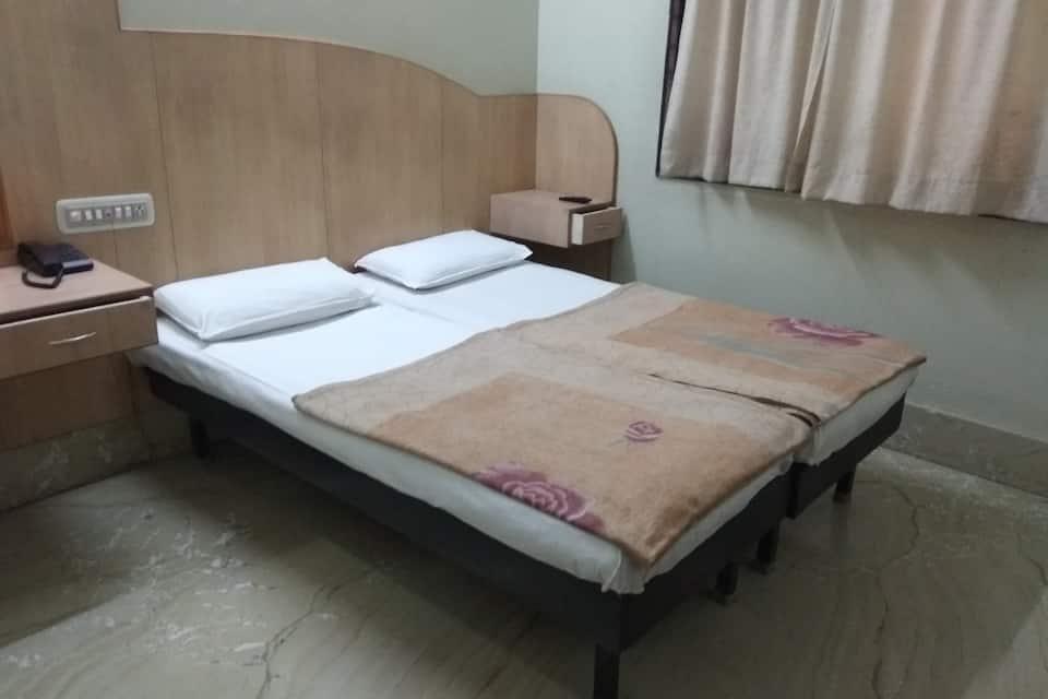 Shri Kamal Hotel, Majestic, Shri Kamal Hotel