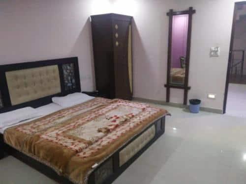 Hotel Abhishek, Clock Tower Road, Hotel Abhishek