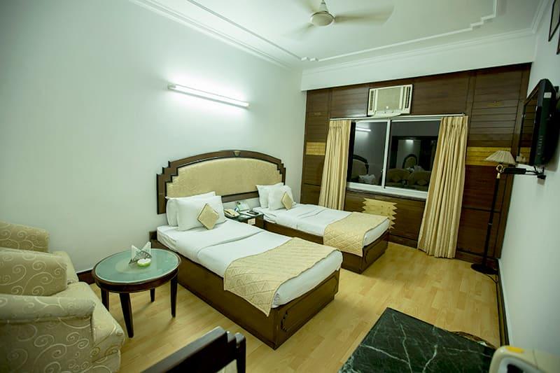 Hotel Deep Palace, Cantt Road, Hotel Deep Palace
