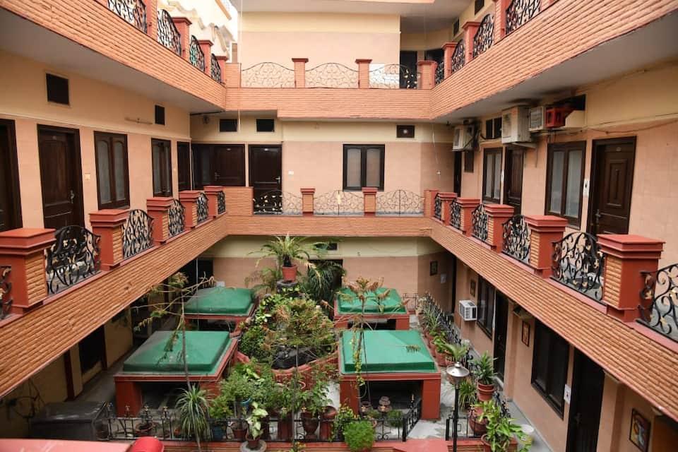 Hotel Shiraz Continental, Queens Road, Hotel Shiraz Continental
