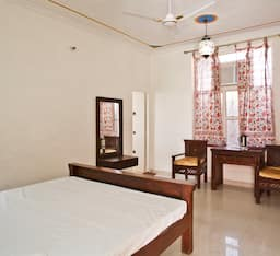 Hotel Shree Vilas Resort