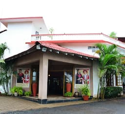 Hotel Indismart Woodbourne Resort