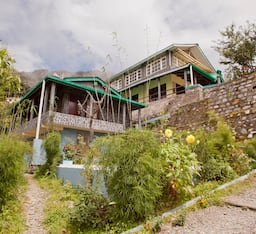 Hotel The Nest Cottages Birds Valley, Pangot