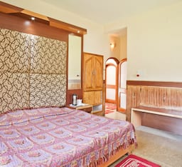 Hotel Hilltone Resorts & Spa
