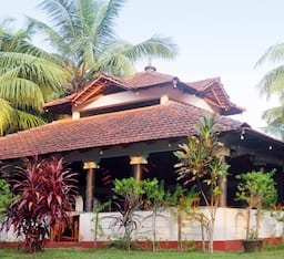 Hotel Coir Village Lake Resort