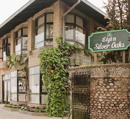 Hotel The Silver Oaks