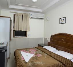 Hotel Vishesh Continental, New Delhi