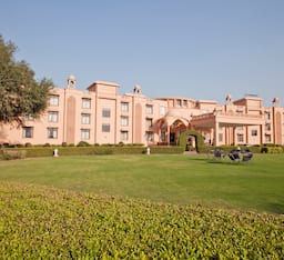 Hotel The Gold Palace & Resort