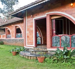 Hotel Misty Woods