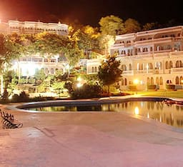 Hotel Jaisamand Island Resort