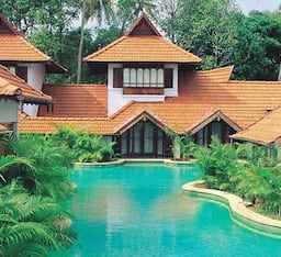 Hotel Kumarakom Lake Resort