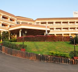 Hotel The Lagoona Resort