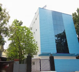 Hotel Cloud Nine Service Apartment