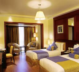 Hotel Lemon Tree Premier