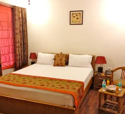 Hotel Skylink Suites