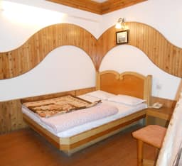 Hotel Happy Home - The Lake Paradise, Nainital