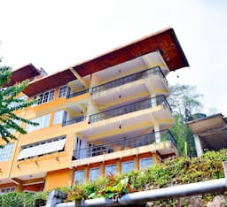 Hotel Summit Newa Regency