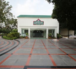 Hotel Country Inn & Suites By Carlson Delhi Satbari
