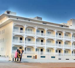 Hotel East West, Puri
