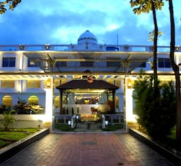 Hotel Jal Mahal Resort & Spa