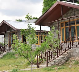 Hotel Nature's Outpost Camps