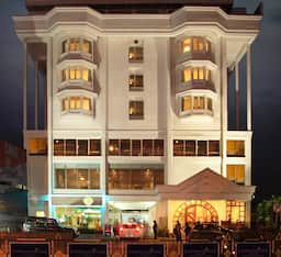 Hotel Abad Plaza (Next to Central Mall), Cochin