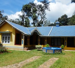 Hotel Adonise Homestay