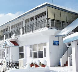 Hotel Krish Rauni Resort - The Apple Orchard Inn