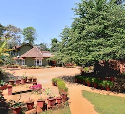 Hotel Chilipili Estate Stay