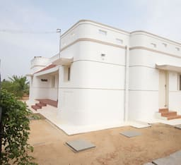 Hotel Jain Farms