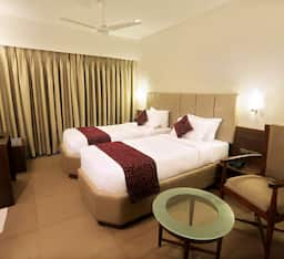Hotel Central Excelency, Surat