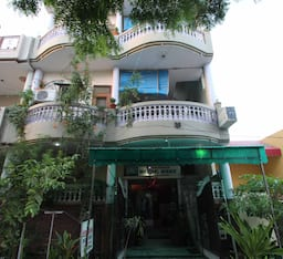 Hotel Pyrenees Home Stay