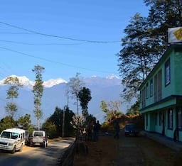Hotel Himalayan Retreat & Resort