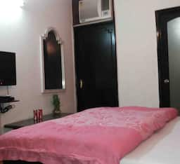 Hotel TG Stays Deshbandhu College