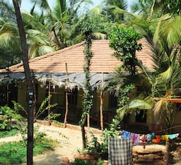 Hotel Vignesh Beach Homestay