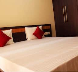 Hotel Indira Homes